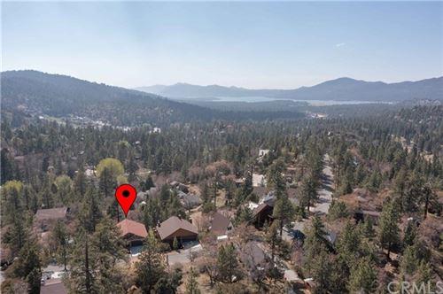 Photo of 43641 Ridge Crest Drive, Big Bear, CA 92315 (MLS # EV21104313)
