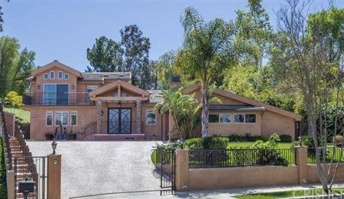 Photo of 22136 Independencia Street, Woodland Hills, CA 91364 (MLS # SR21042313)