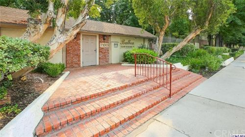 Photo of 7100 Balboa Boulevard #805, Lake Balboa, CA 91406 (MLS # 320003314)