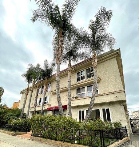 Photo of 5301 Yarmouth Avenue #20, Encino, CA 91316 (MLS # SR21078314)
