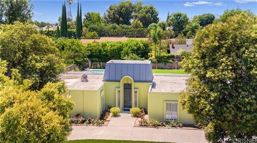 Photo of 9333 Texhoma Avenue, Northridge, CA 91325 (MLS # SR21155314)