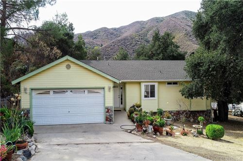 Photo of 15540 Calle Hermosa, Green Valley, CA 91390 (MLS # SR21222314)