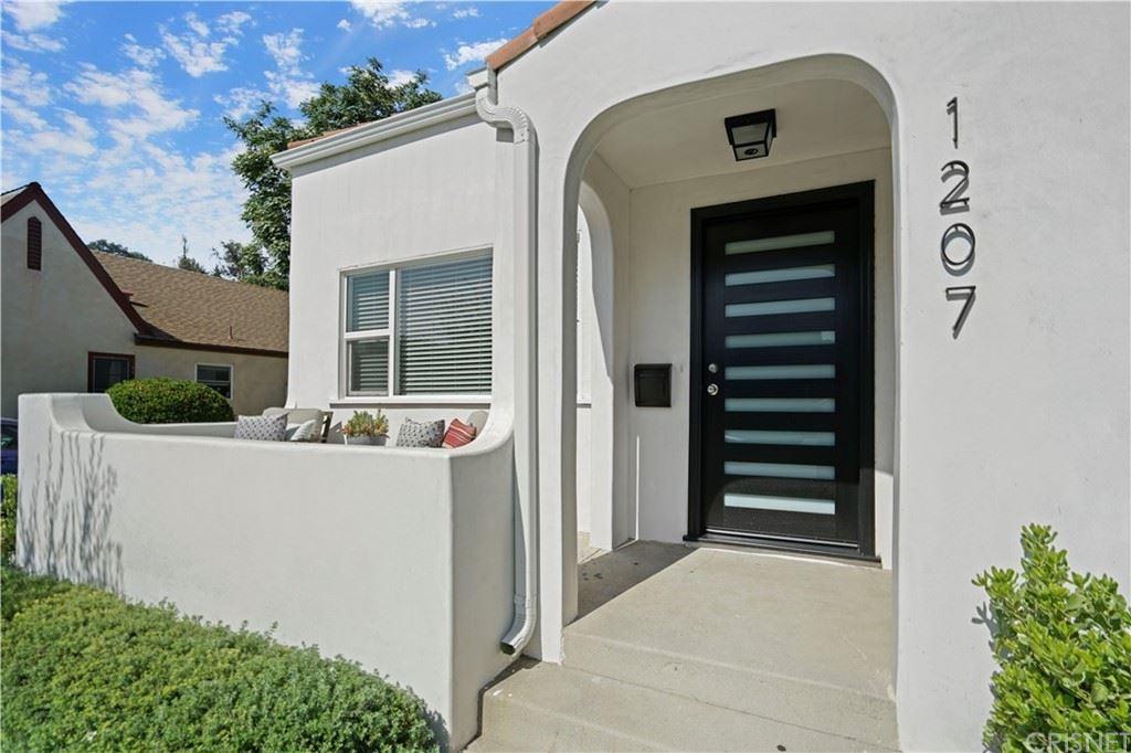 Photo of 1207 Reynolds Drive, Glendale, CA 91205 (MLS # SR21160314)