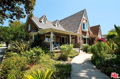 Photo of 600 E Walnut Avenue, Burbank, CA 91501 (MLS # 20629316)