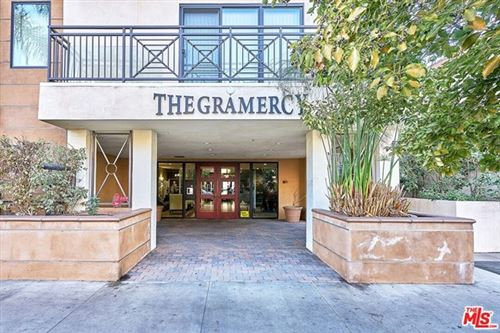 Photo of 311 S Gramercy Place #206, Los Angeles, CA 90020 (MLS # 20655316)