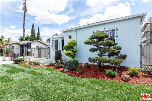 Photo of 1050 S Bronson Avenue, Los Angeles, CA 90019 (MLS # 21773316)