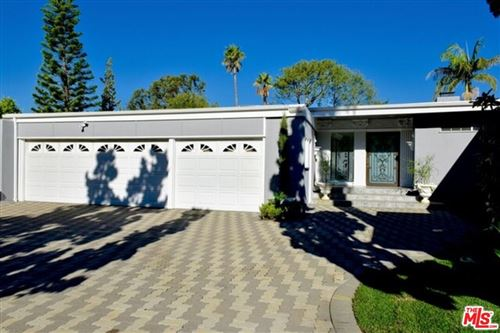 Photo of 545 Evelyn Place, Beverly Hills, CA 90210 (MLS # 21785318)