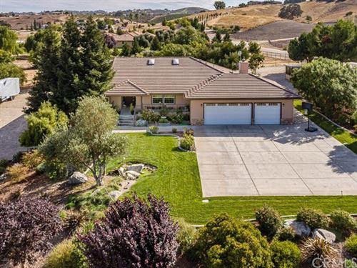 Photo of 845 Climbing Tree Lane, Templeton, CA 93465 (MLS # NS20188318)