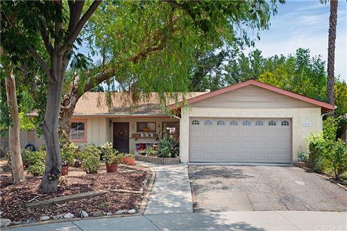 Photo of 22901 Bassett Street, West Hills, CA 91307 (MLS # SR21150318)