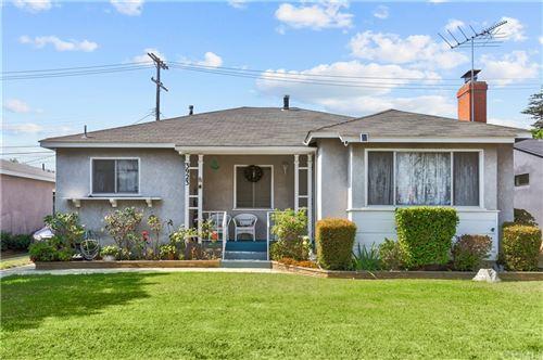Photo of 3923 Coolidge Avenue, Los Angeles, CA 90066 (MLS # CV21210319)