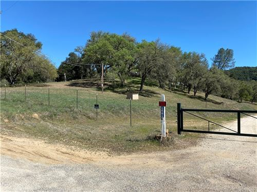 Photo of 14615 CHIMNEY ROCK ROAD, Paso Robles, CA 93446 (MLS # SR21075319)
