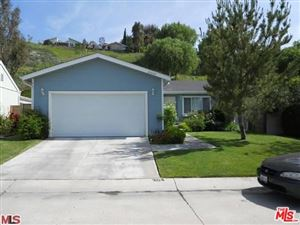 Photo of 20079 Northcliff Drive, Canyon Country, CA 91351 (MLS # 18414320)
