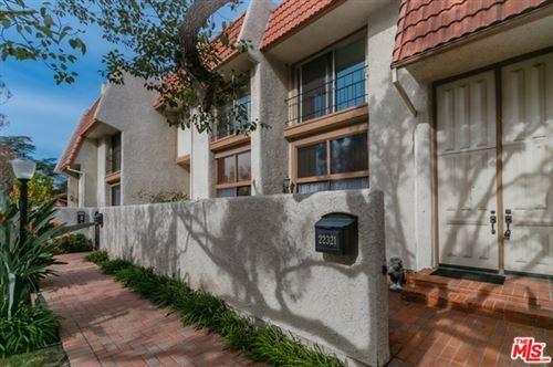 Photo of 22321 Erwin Street, Woodland Hills, CA 91367 (MLS # 21680320)