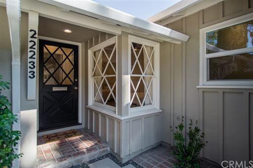 Photo of 22233 Avenue San Luis, Woodland Hills, CA 91364 (MLS # ND21093320)