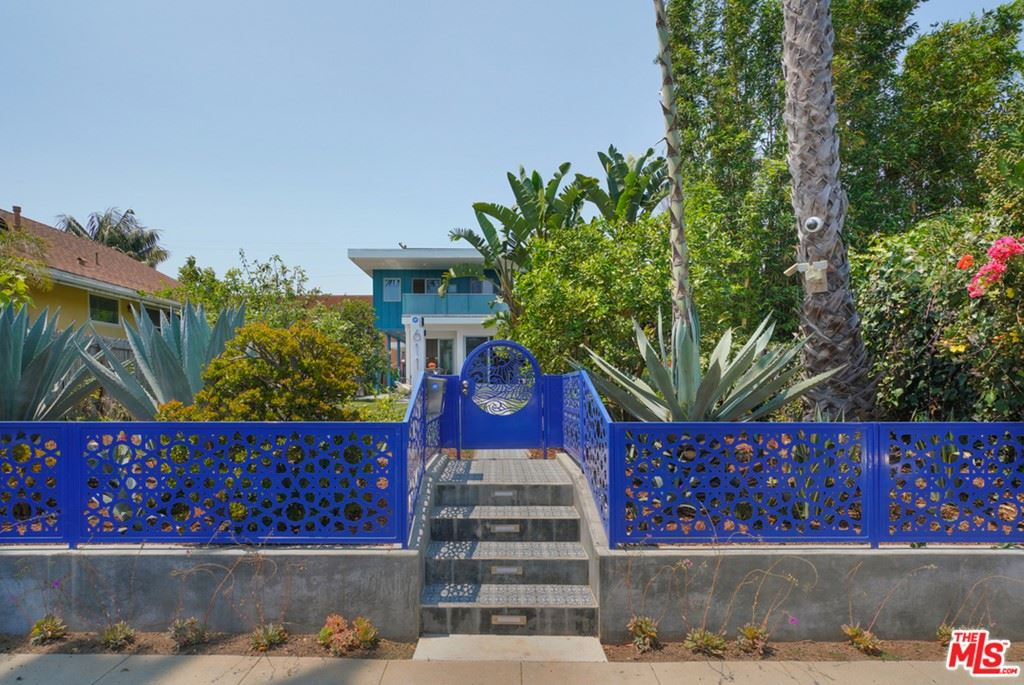 Photo of 611 Flower Avenue, Venice, CA 90291 (MLS # 21763320)