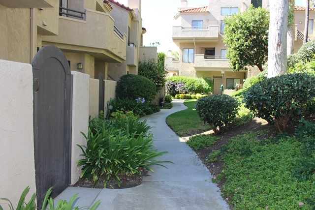 Photo of 245 Mcafee Court, Thousand Oaks, CA 91360 (MLS # 220008320)