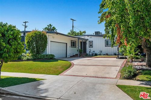 Photo of 17218 BULLOCK Street, Encino, CA 91316 (MLS # 20582322)