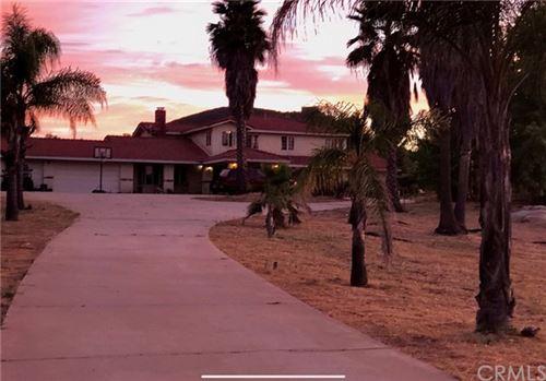 Photo of 39551 Calle De Companero, Murrieta, CA 92562 (MLS # SW20152323)