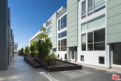 Photo of 4151 Redwood Avenue #306, Los Angeles, CA 90066 (MLS # 20627326)