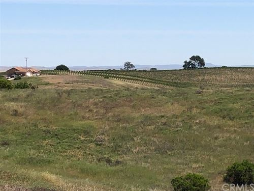Photo of 5125 Needs Road, Paso Robles, CA 93446 (MLS # NS21163326)