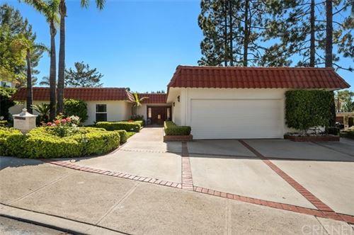 Photo of 4833 Del Moreno Drive, Woodland Hills, CA 91364 (MLS # SR21101326)