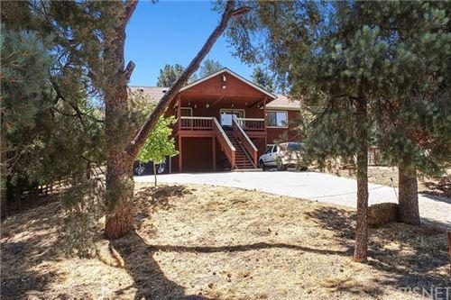 Photo of 14700 Voltaire Drive, Pine Mtn Club, CA 93225 (MLS # SR20157327)