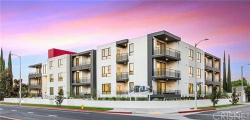 Photo of 5110 Whitsett Avenue #105, Valley Village, CA 91607 (MLS # SR21019327)