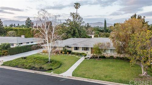 Photo of 19131 Marilla Street, Northridge, CA 91324 (MLS # SR21079327)
