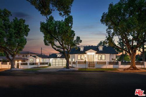 Photo of 536 Jamestown Road, Burbank, CA 91504 (MLS # 20629328)