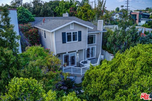 Photo of 1011 PIER Avenue, Santa Monica, CA 90405 (MLS # 20582328)