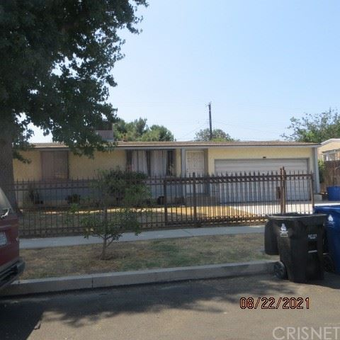 Photo of 8407 Cantaloupe Avenue, Panorama City, CA 91402 (MLS # SR21189329)