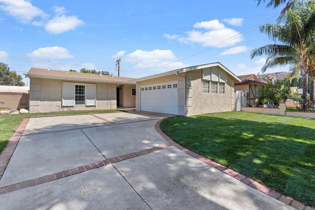 27414 Arriola Avenue, Santa Clarita, CA 91350 - MLS#: PTP2106329