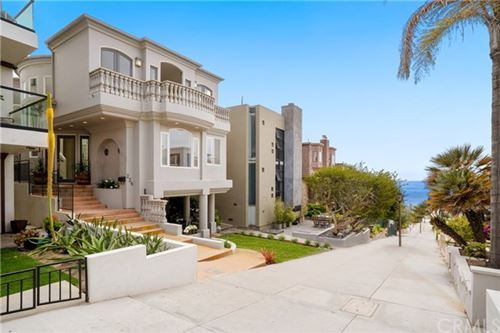 Photo of 224 16th Street, Manhattan Beach, CA 90266 (MLS # SB19197330)