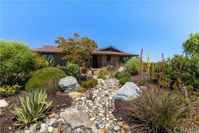 Photo of 4214 High Grove Road, Templeton, CA 93465 (MLS # NS21115330)