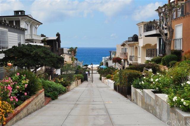 Photo of 224 16th Street, Manhattan Beach, CA 90266 (MLS # SB19197330)