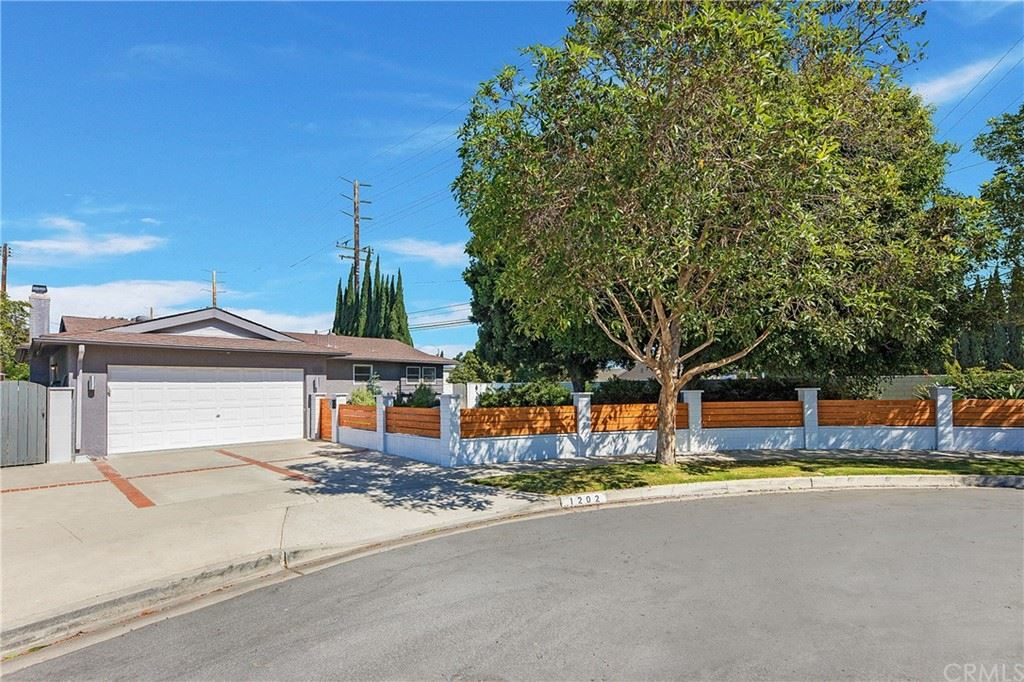 Photo of 1202 Donegal Place, Costa Mesa, CA 92626 (MLS # PW21227331)