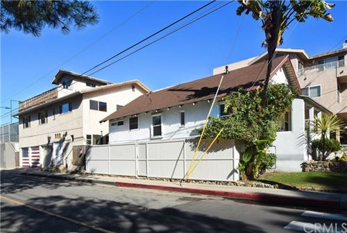 Photo of 601 11th Street, Hermosa Beach, CA 90254 (MLS # SB19286332)