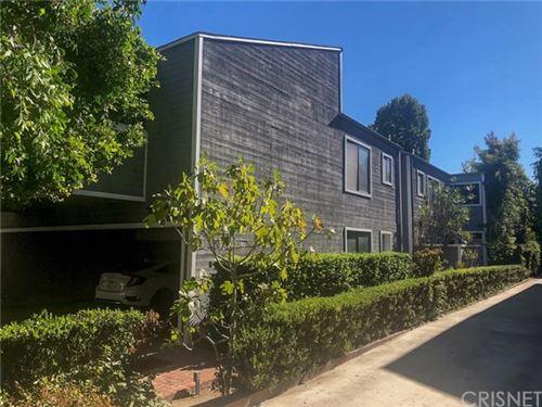 Photo of 12416 Moorpark Street #D, Studio City, CA 91604 (MLS # SR20239333)