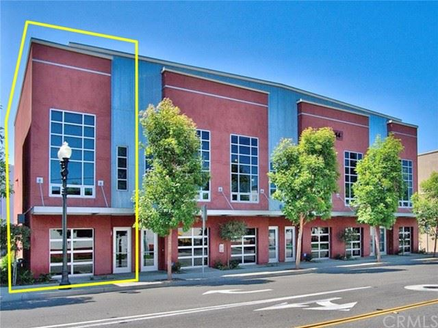 Photo of 940 E Civic Center Drive, Santa Ana, CA 92701 (MLS # OC21104333)