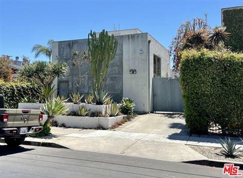Photo of 518 Sunset Avenue, Venice, CA 90291 (MLS # 21725334)