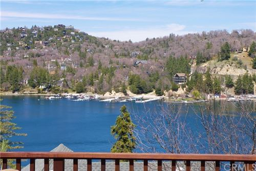 Photo of 28806 Cedar Drive, Lake Arrowhead, CA 92352 (MLS # IV21075335)