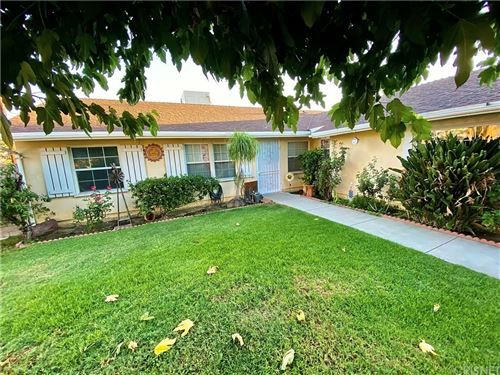 Photo of 16400 Flanders Street, Granada Hills, CA 91344 (MLS # SR21208335)