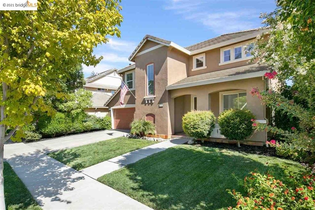 Photo of 527 Chestnut St, Brentwood, CA 94513 (MLS # 40959335)