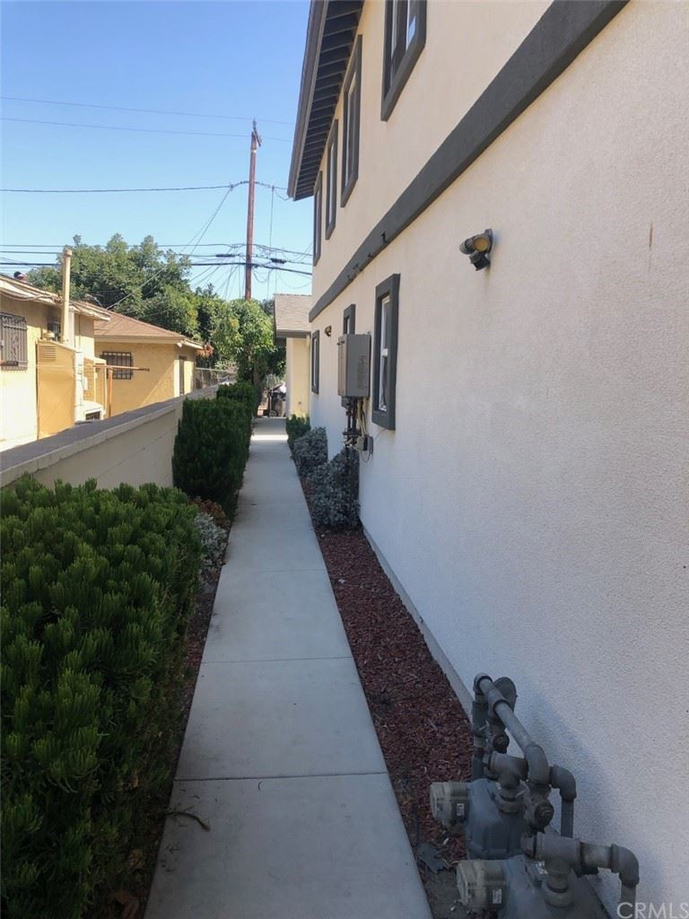 Photo of 1627 W Summit Street #Room B, Long Beach, CA 90810 (MLS # PW21165335)