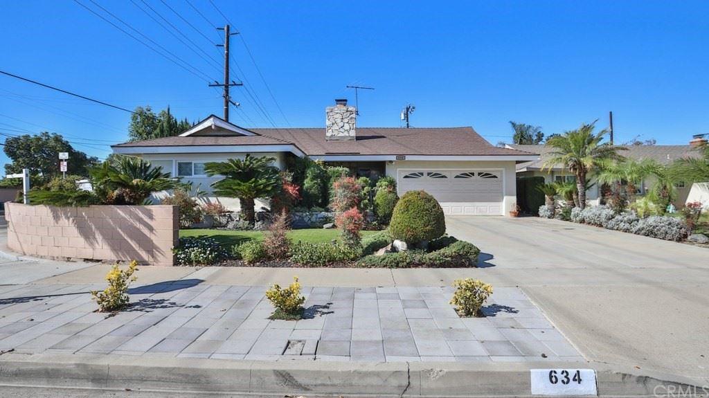 Photo of 634 S Maxine Street, Santa Ana, CA 92704 (MLS # PW21233338)