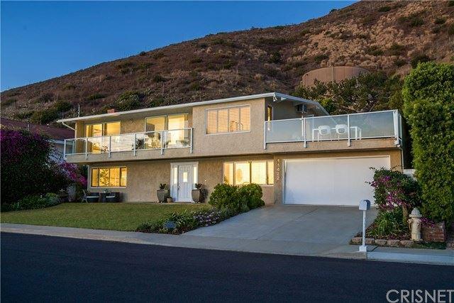 Photo of 11422 Tongareva Street, Malibu, CA 90265 (MLS # SR20240338)