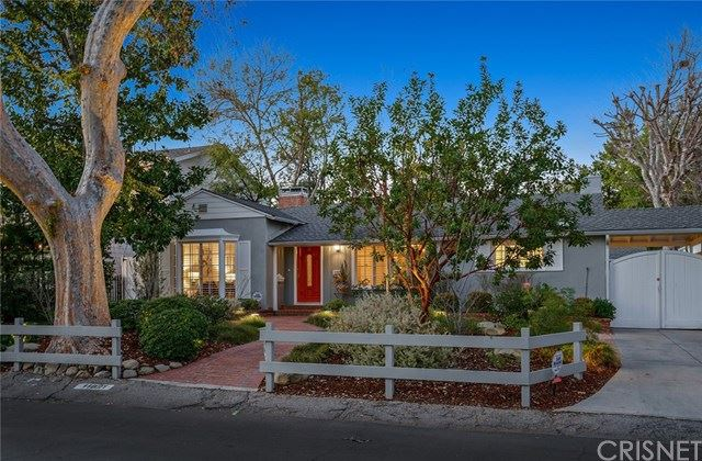 Photo of 11821 Addison Street, Valley Village, CA 91607 (MLS # SR21010338)
