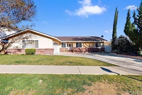 Photo of 27216 Garza Drive, Saugus, CA 91350 (MLS # SR21039339)
