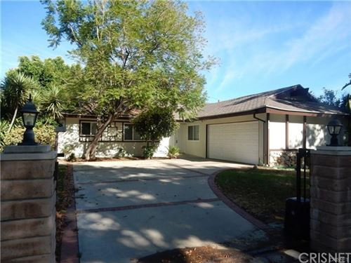 Photo of 10460 Eton Avenue, Chatsworth, CA 91311 (MLS # SR21058339)