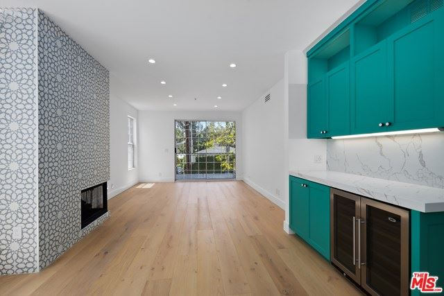 Photo of 930 N Doheny Drive #213, West Hollywood, CA 90069 (MLS # 21726340)